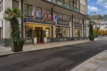 EA Hotel Atlantic Palace - entrance to the hotel